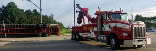 heavy duty towing service in Bolingbrook